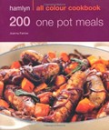 200 One Pot Meals: Hamlyn All Colour Cookbook